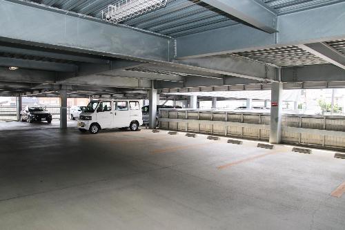 駒ヶ根駅前立体駐車場/駒ヶ根市アルプスがふたつ映えるまち